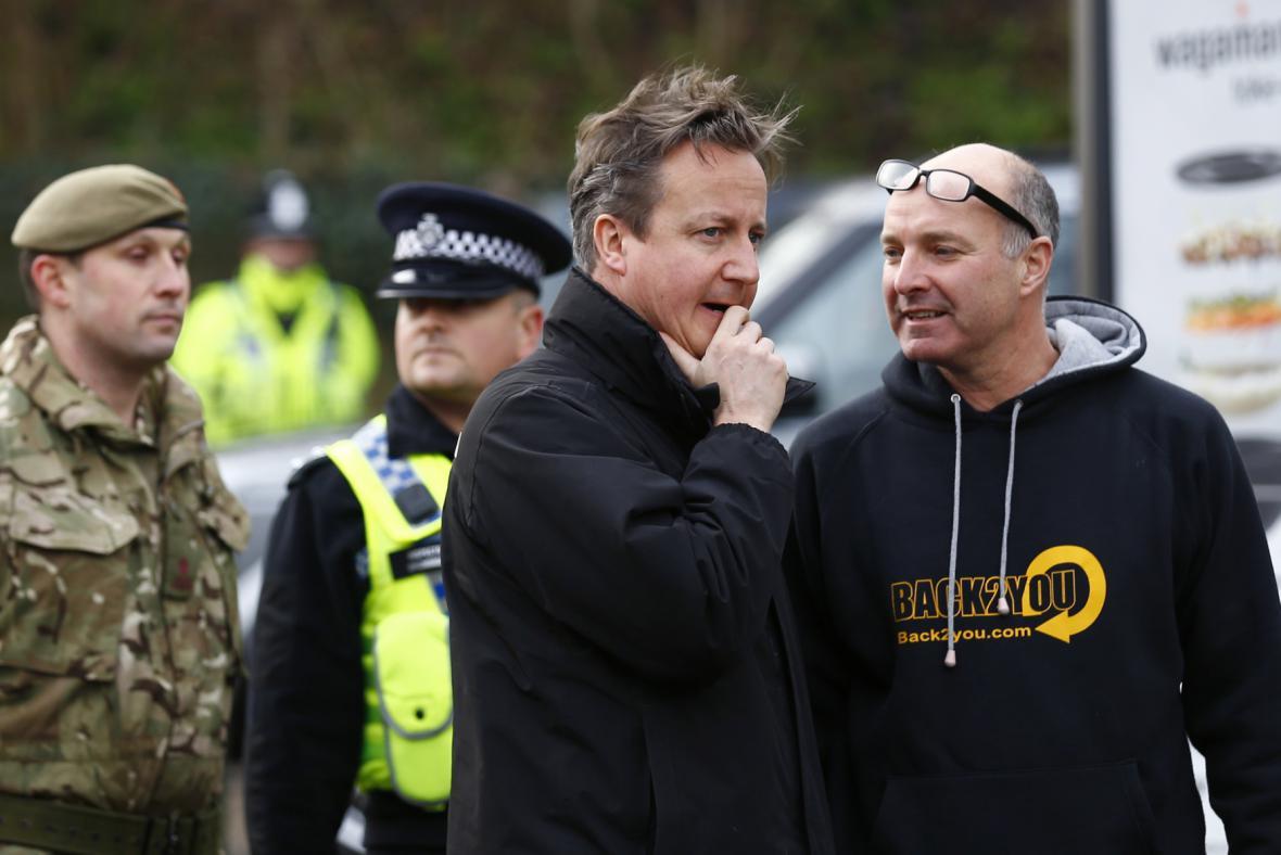 David Cameron sleduje situaci v Yorku