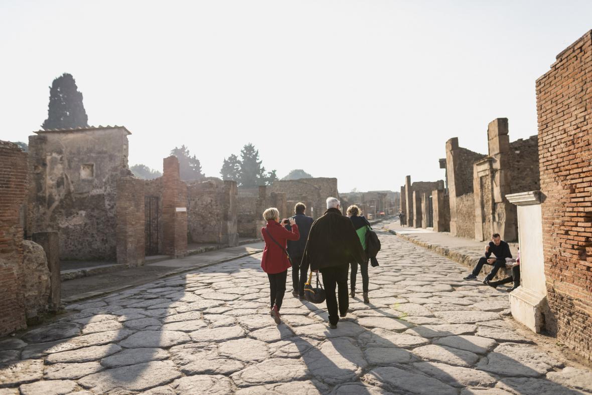 Šest nově restaurovaných domů v Pompejích