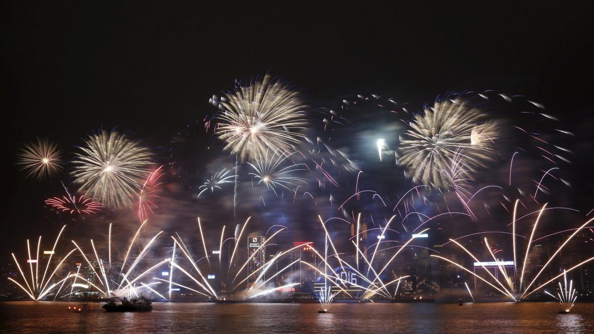Novoroční ohňostroj v Hongkongu