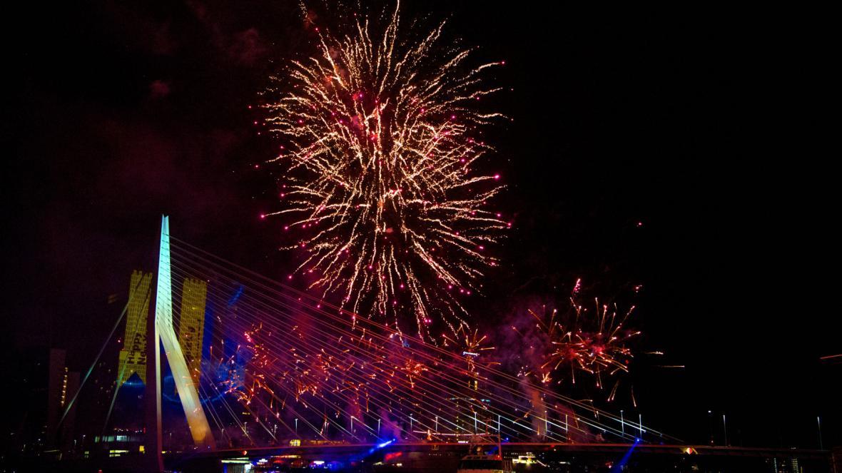 Novoroční ohňostroj v nizozemském Rotterdamu