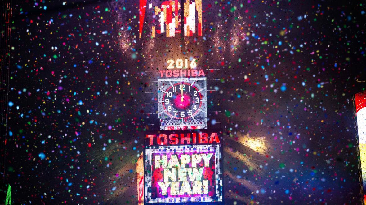 Tradiční vítání nového roku na newyorském Times Square
