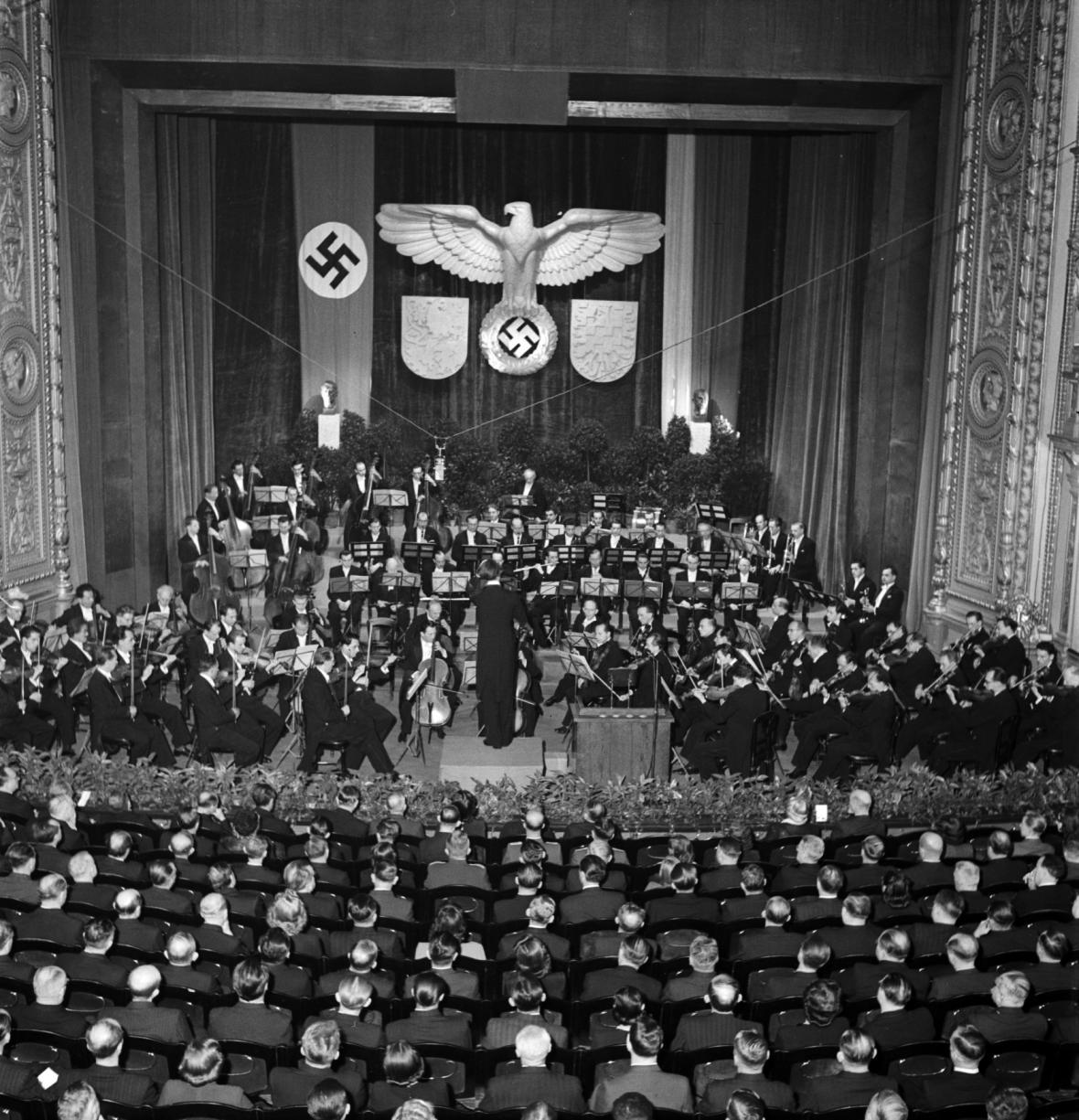 Koncert České filharmonie k výročí volby Emila Háchy