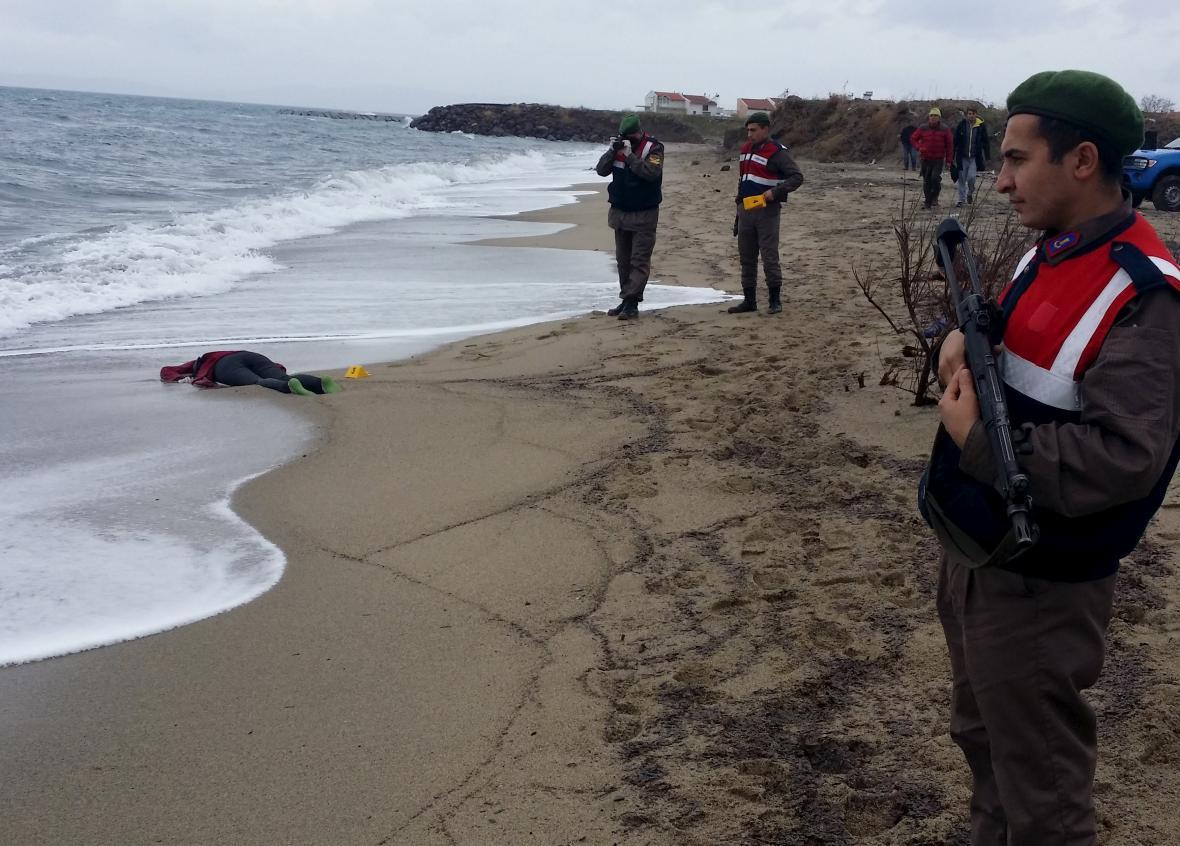 Utonulí uprchlíci v Turecku