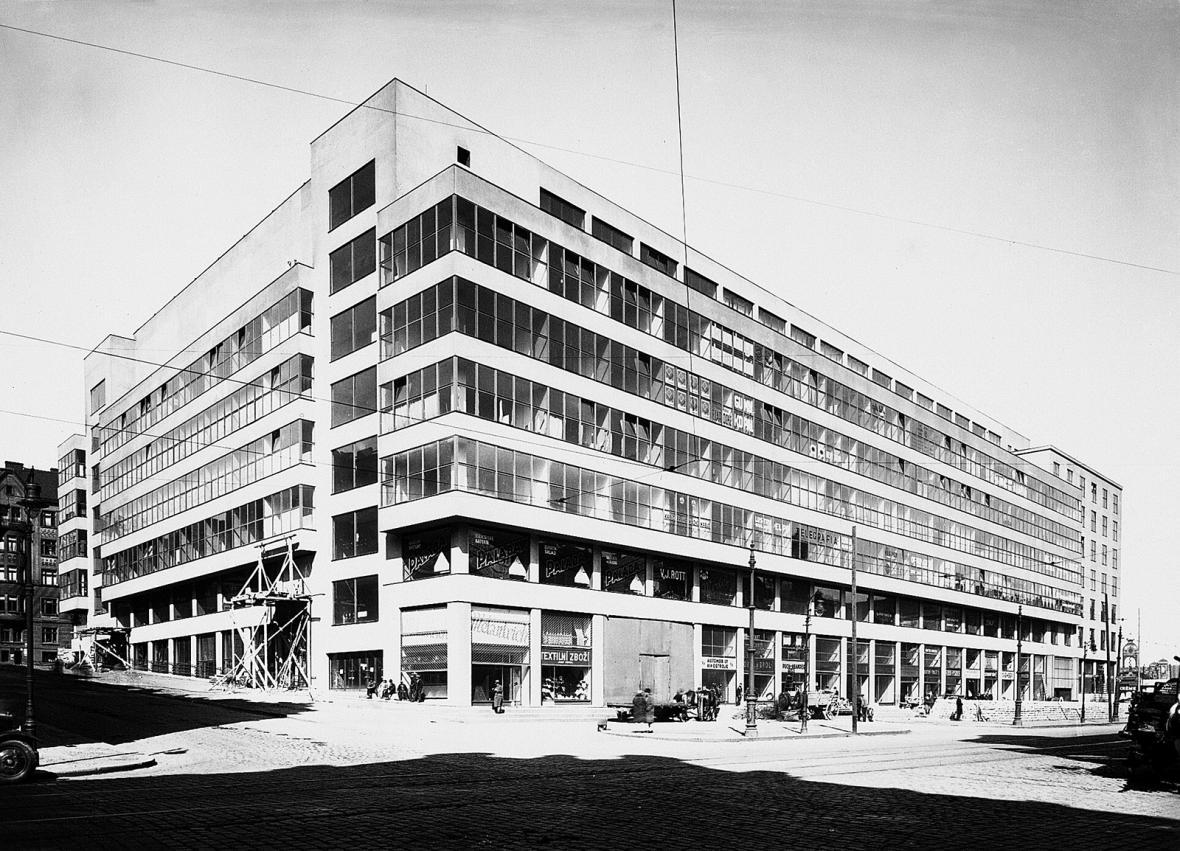 Stavba Veletržního paláce