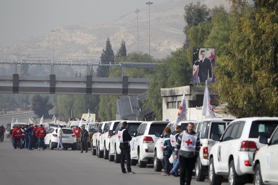 Humanitární konvoj mířící do Madáji