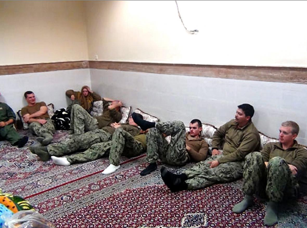 Američtí námořníci, které zadržoval Írán