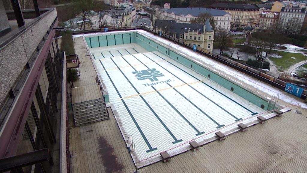 Vypuštěný bazén v hotelu Thermal