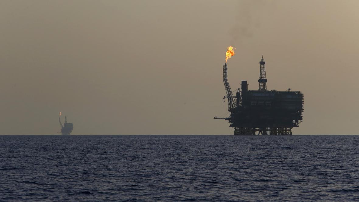 Ropná plošina u Libye