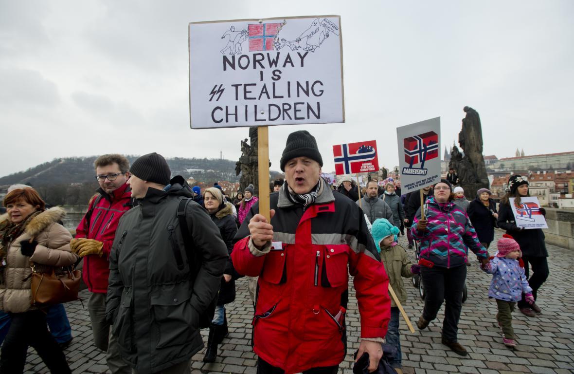 Protest proti odebírání dětí