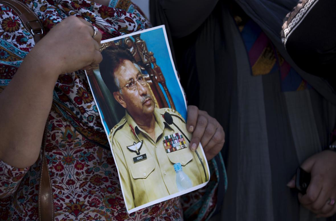 Soud s Mušarafen