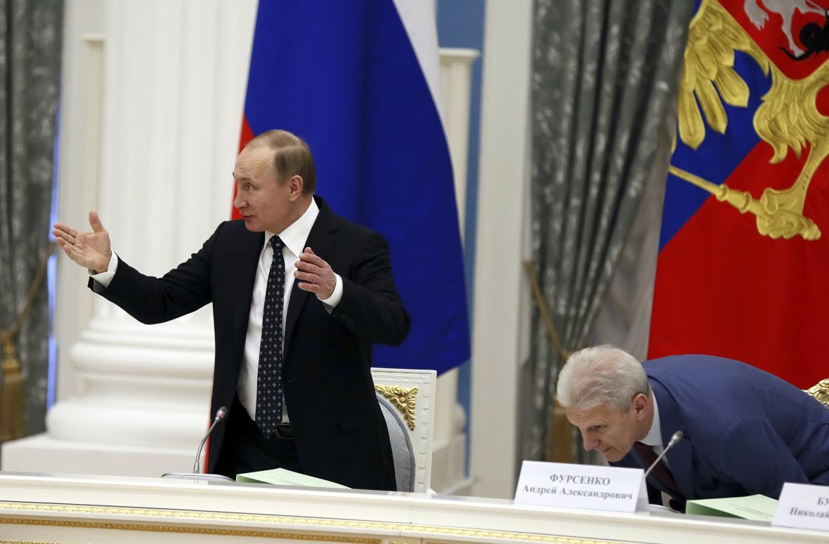 Vladimir Putin na zasedání prezidentské rady pro vědu a vzdělávání