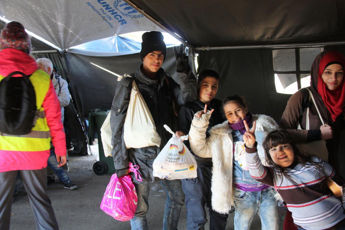Uprchlíci na srbsko-chorvatském hraničním přechodu Berkasovo-Bapska