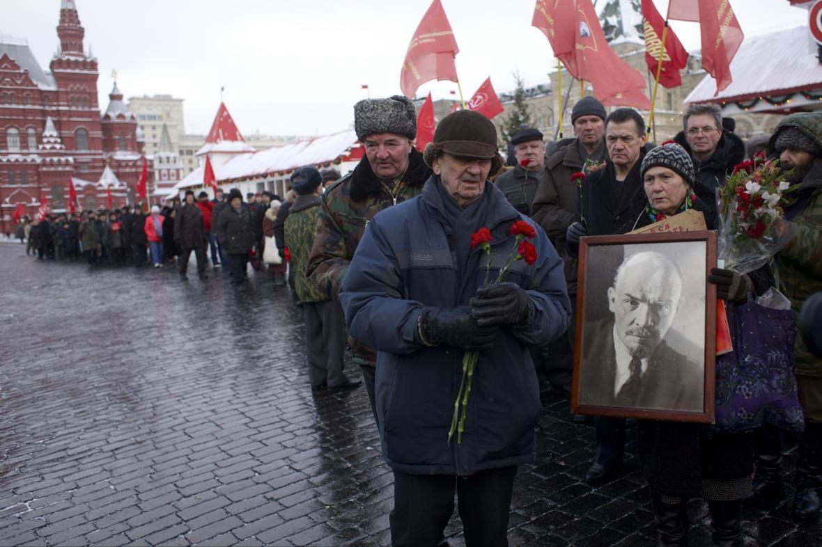 Prokomunističtí Moskvané v den výročí Leninovy smrti