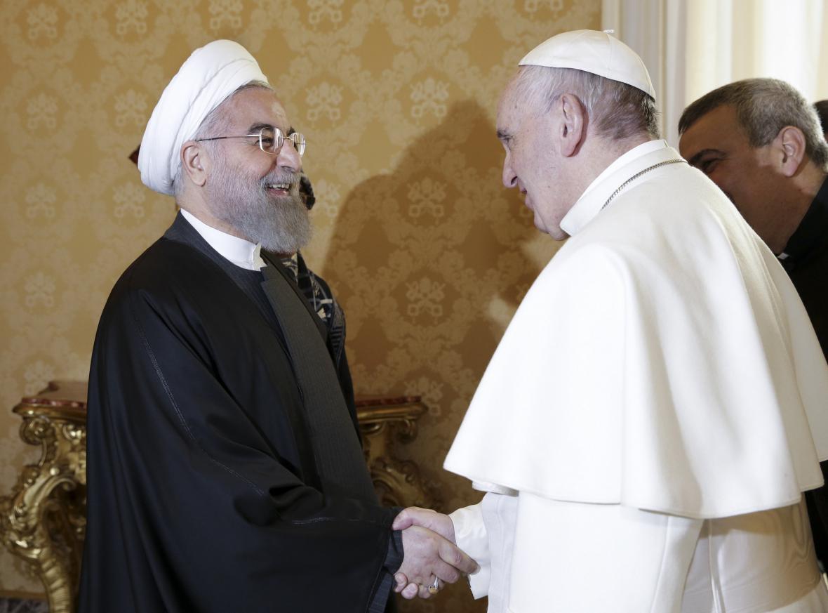 Rouháního přijal ve Vatikánu papež František