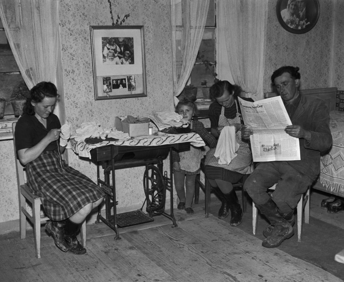 Domácnost družstevníka v Neumětelech (50. léta)