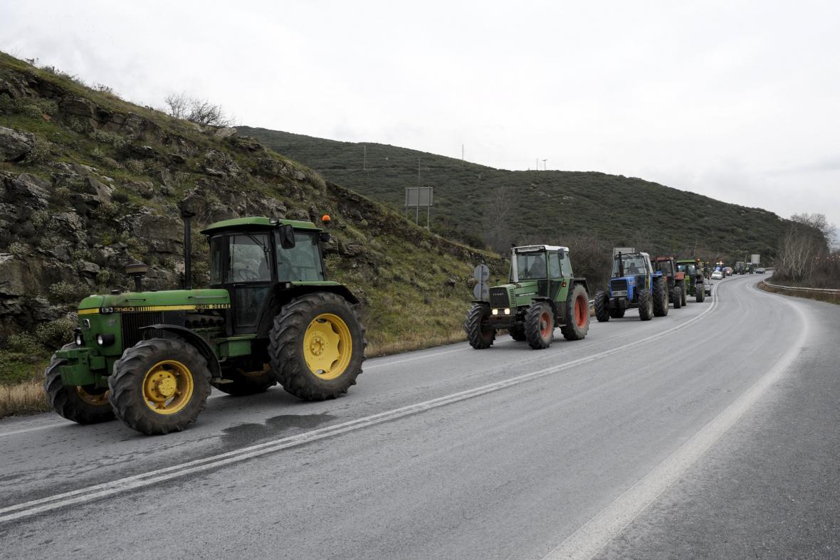 Řečtí zemědělci protestují proti vládním škrtům