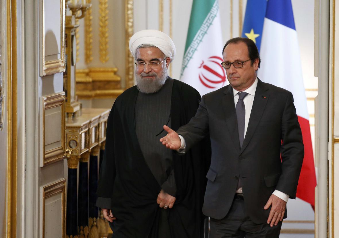 Hasan Rouhání a Francois Hollande
