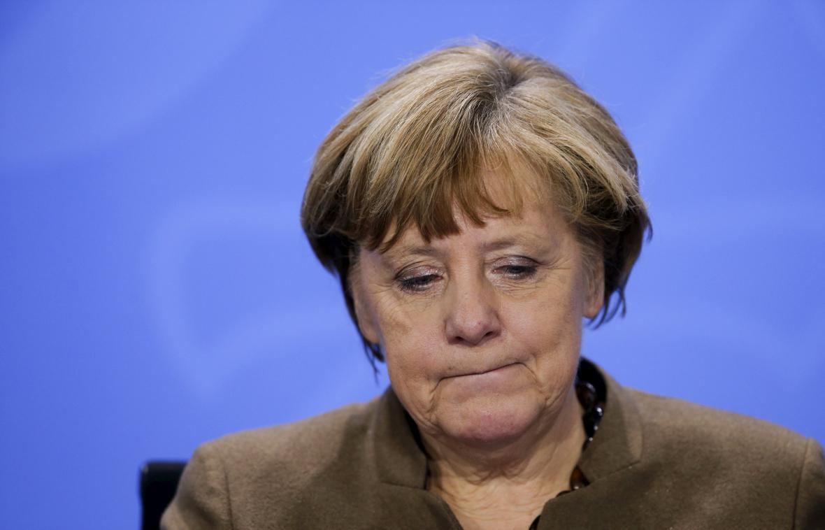 Angela Merkelová na brífinku po jednání s předsedy zemských vlád