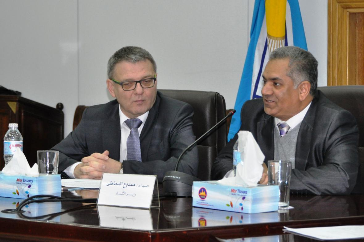 Ministr zahraničí Lubomír Zaorálek s egyptským ministrem pro památky Mamdúhem Damatím