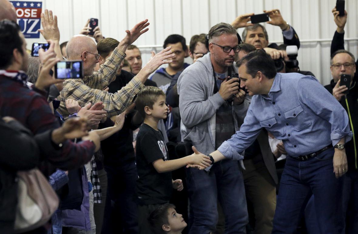 Republikán Ted Cruz při kampani v Iowě