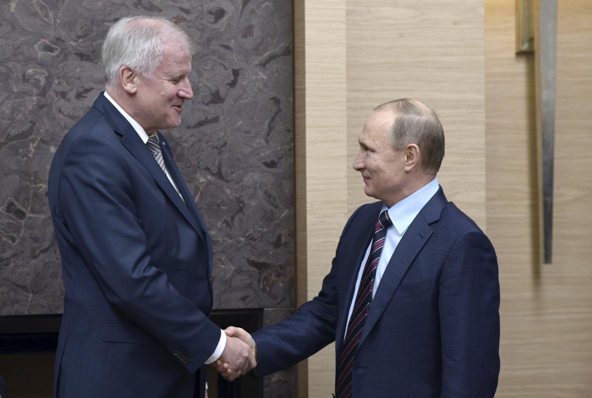 Horst Seehofer se v Moskvě sešel s ruským prezidentem Vladimirem Putinem