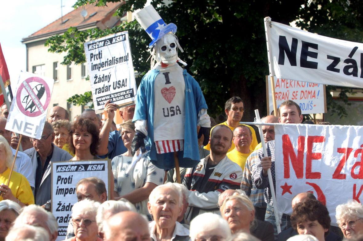Protesty proti radarové základně v Brdech