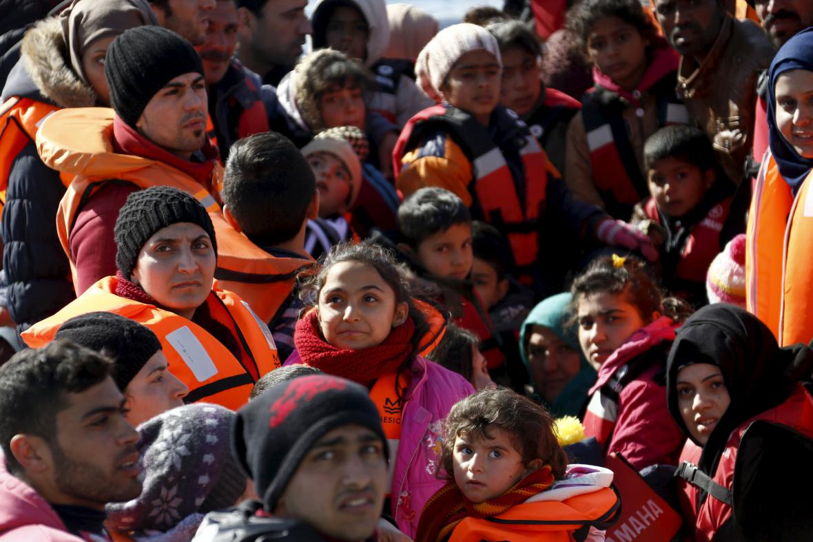 Migranti mířící na Lesbos