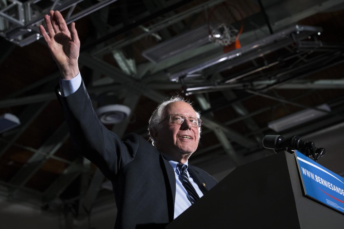 Kandidát demokratů Bernie Sanders