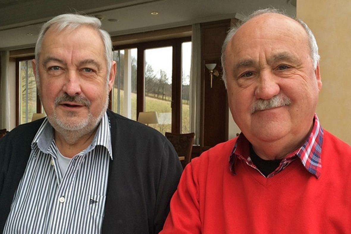 Hledači pokladů Georg Mederer (vlevo) a Erich Stenz