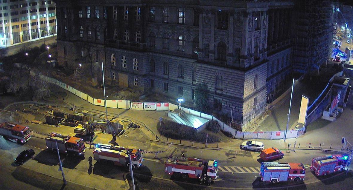 Hasičské vozy před Národním muzeem