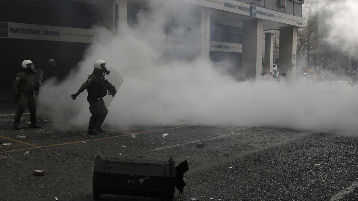 Řečtí policisté použili slzný plyn při demonstraci farmářů