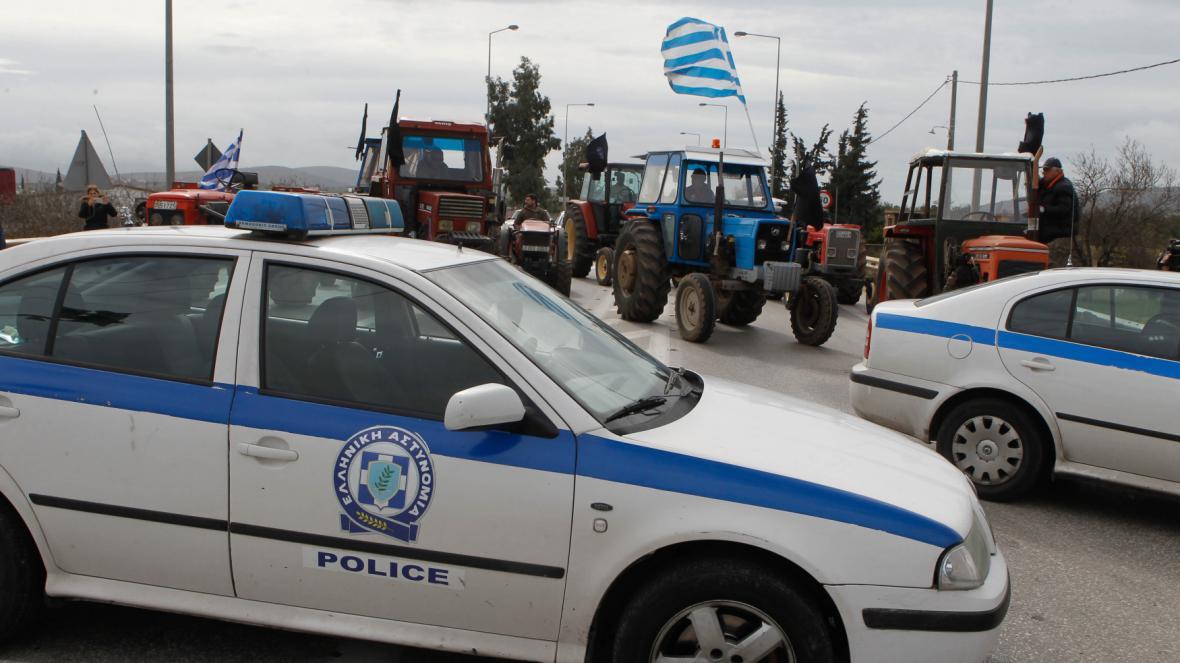 Blokáda přístupu k aténskému letišti