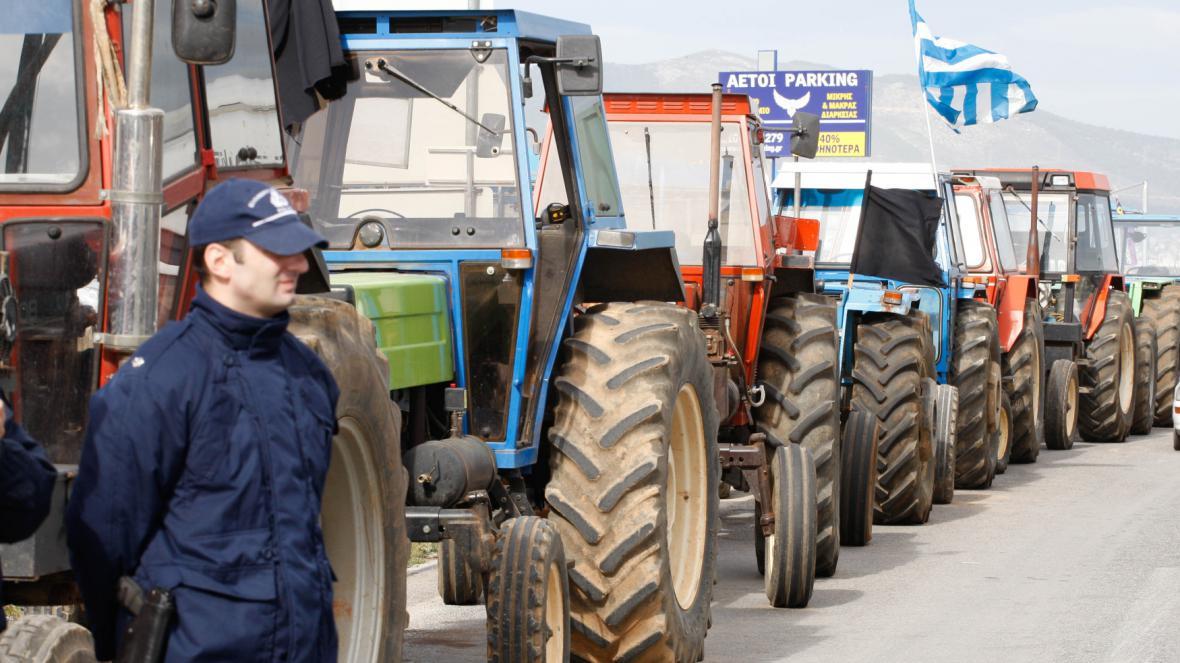Zemědělci využili k blokádě traktory