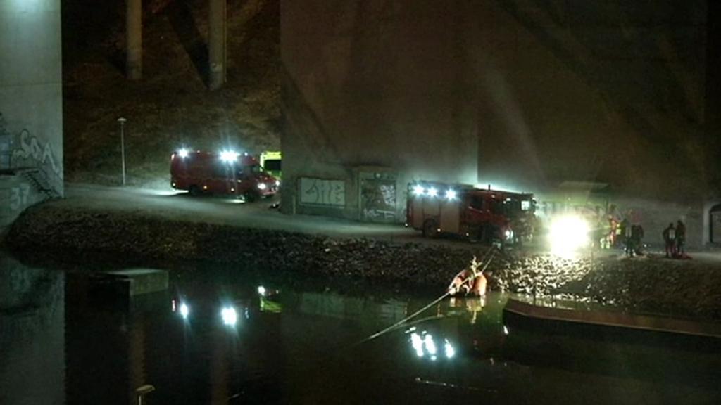 Švédští záchranáři pátrají po tělech členů kapely Viola Beach