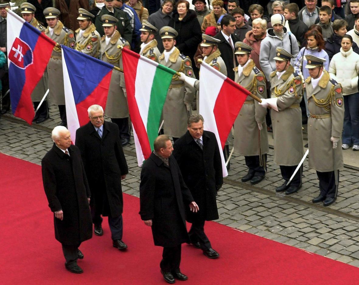 Visegrádští prezidenti v roce 2004