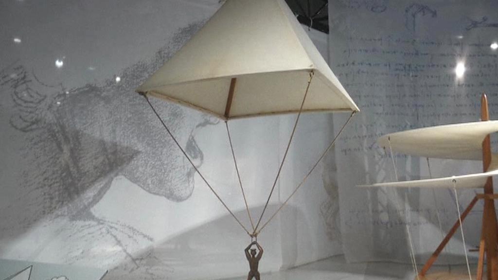 Da Vinci načrtl i návrh padáku