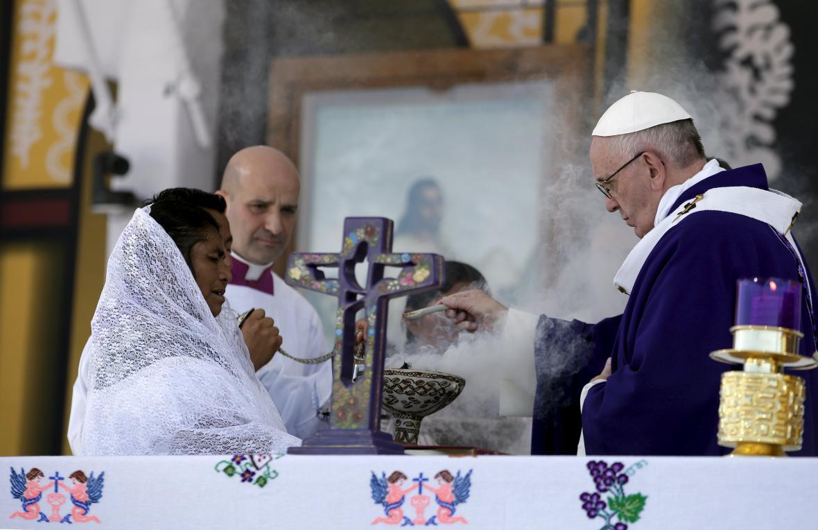 Papežova mše v mexickém San Cristóbalu de Las Casas