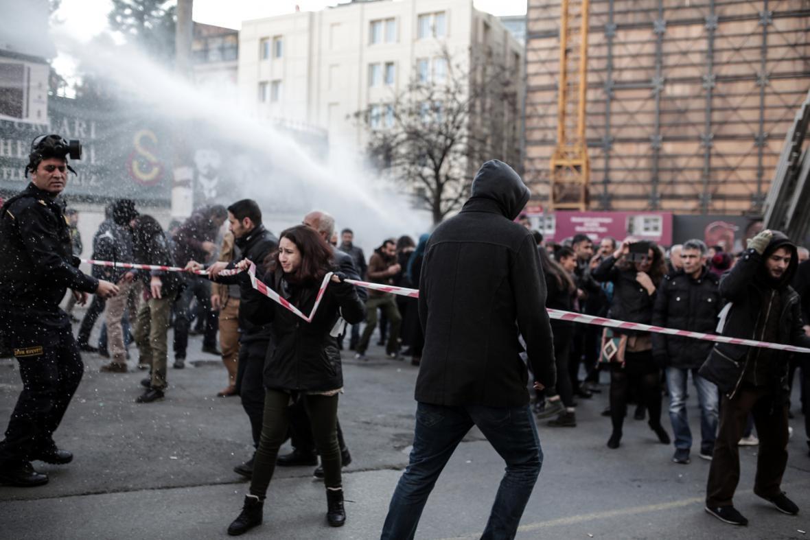 Prokurdské demonstrace v Turecku