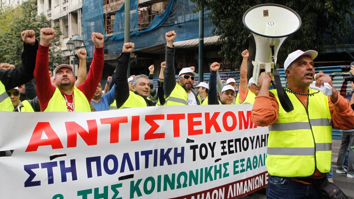 Protest pracovníků přístavu v Řecku