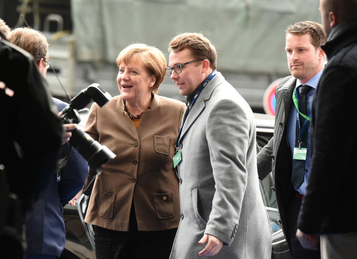 Angela Merkelová po příjezdu na summit EU v Bruselu