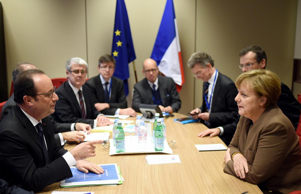 Jednání v Bruselu se účastní i premiér Bohuslav Sobotka