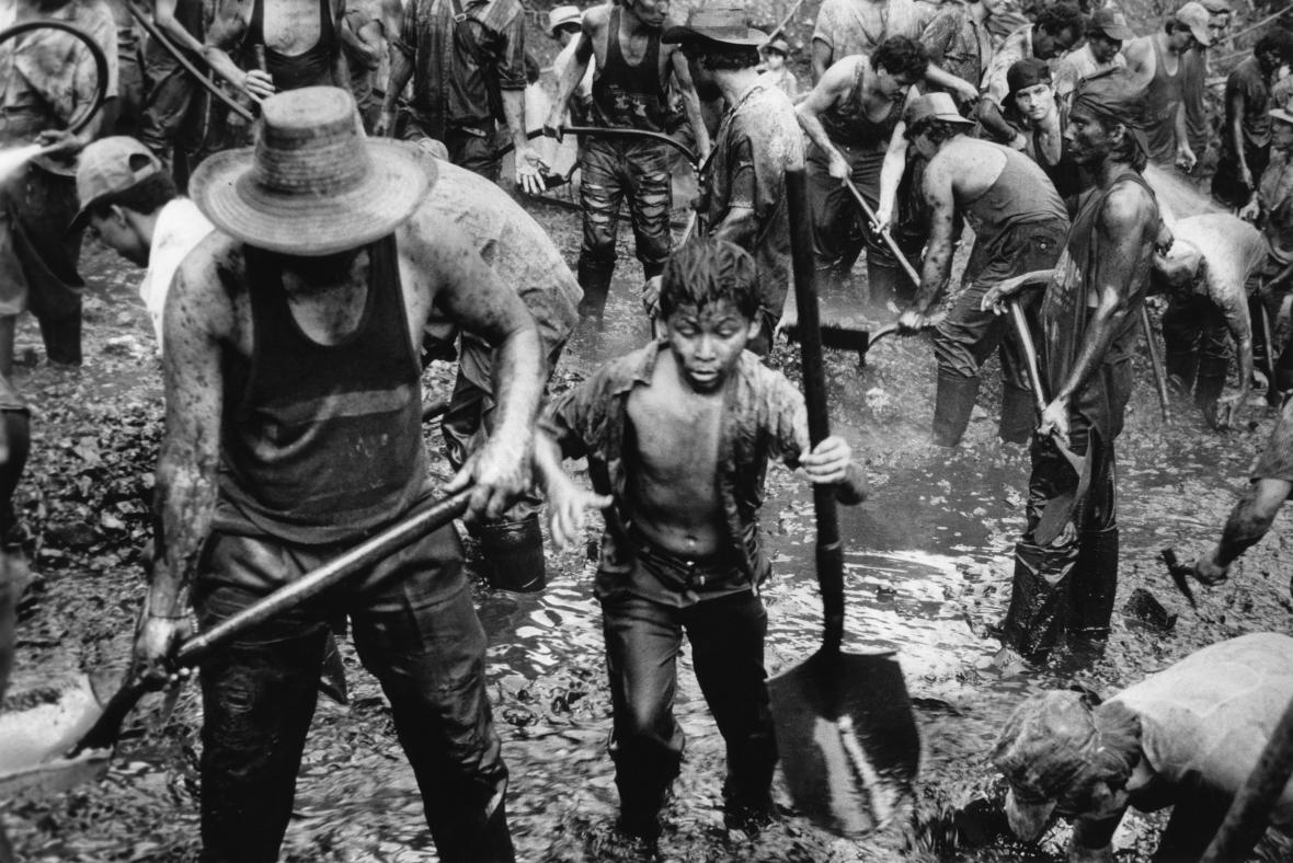 Fernando Moleres / Z cyklu Zneužívání dětské práce, 1992–1997