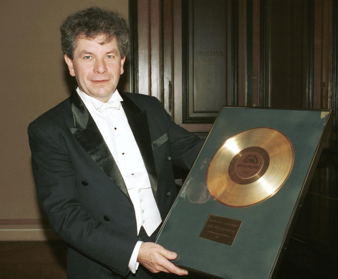 Jiří Bělohlávek se zlatou deskou Supraphonu pro FOK, 1994