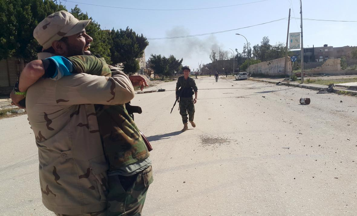 Libyjská armáda dobyla další část Benghází