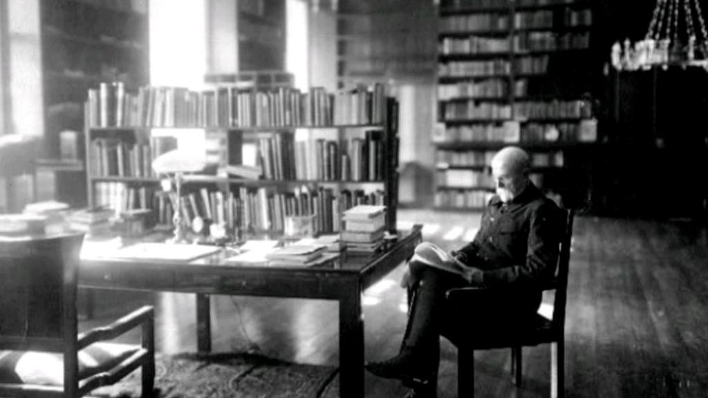 Tomáš Garrigue Masaryk ve své pracovně
