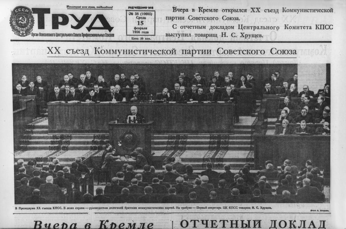 Snímek z 20.sjezdu KSSS uveřejněný v deníku TRUD (Práce)