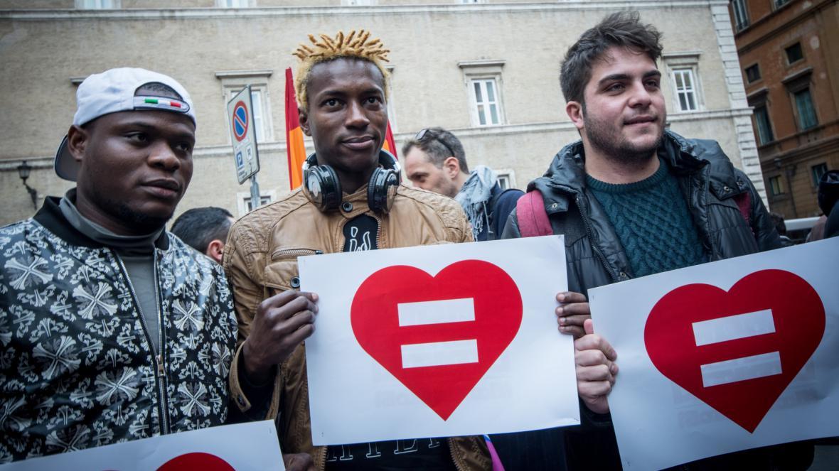 Demonstrace za stejná práva homosexuálů