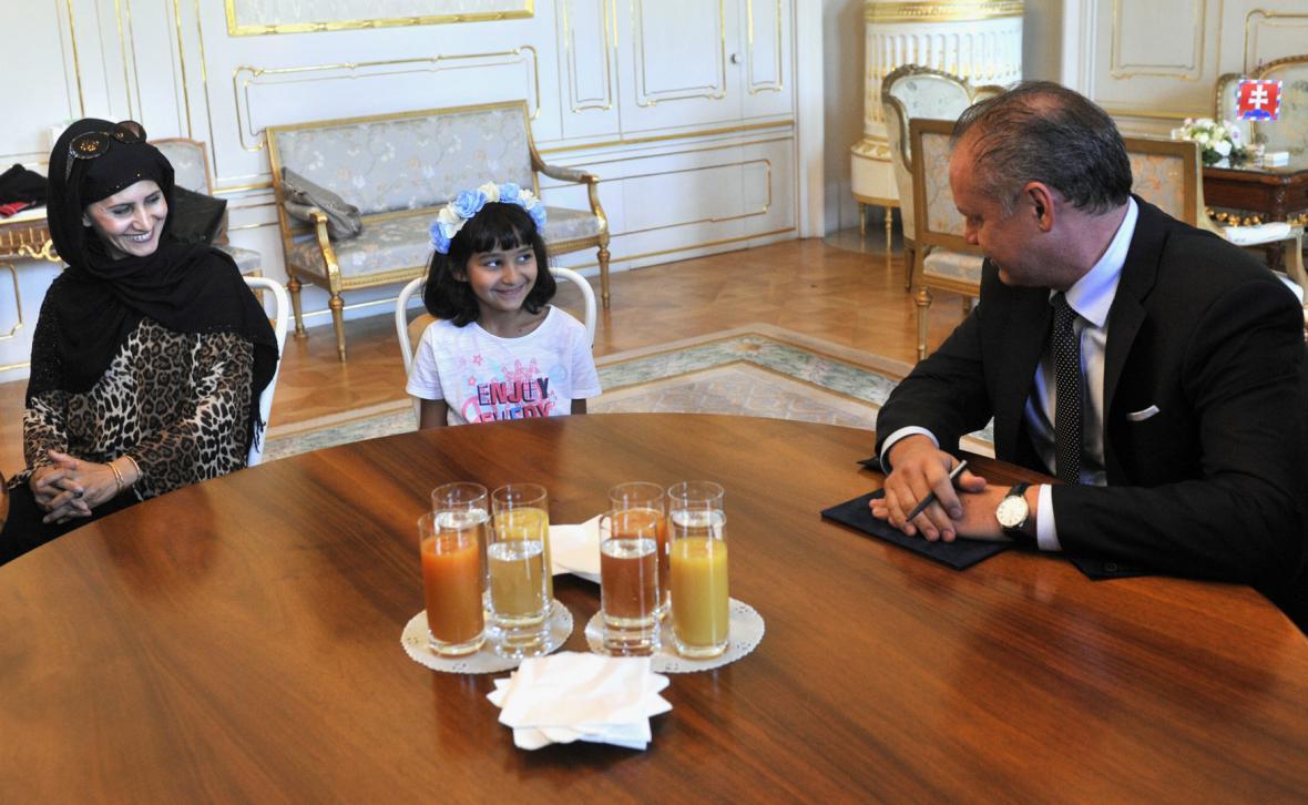 Andrej Kiska při setkání s přijatými běženci