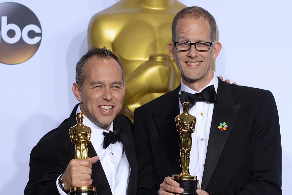 Jonas Rivera a Pete Docter se soškami za animovaný film V hlavě