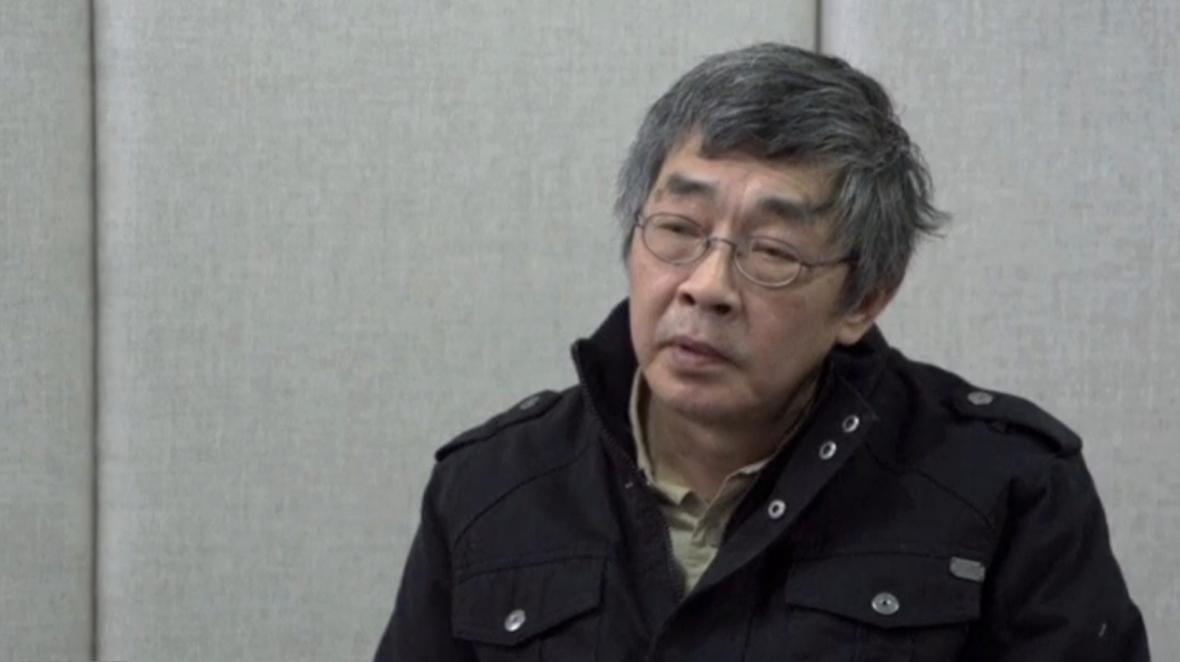 Knihkupec Lam Wing-kee v čínské televizi litoval svých činů